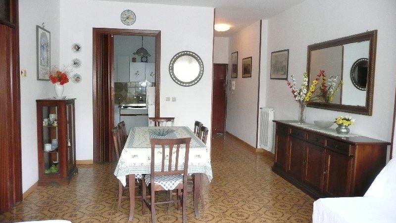 Affitto appartamento follonica comune di follonica zona senzuno riferimento agenzia immobiliare pin - Bagno pineta follonica ...