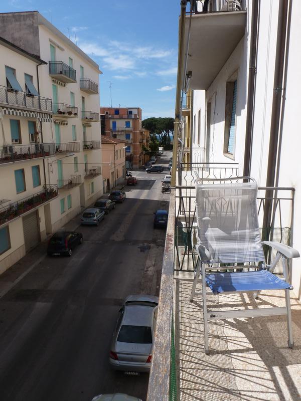 Affitto appartamenti follonica comune di follonica zona nuova riferimento agenzia immobiliare con - Bagno pineta follonica ...